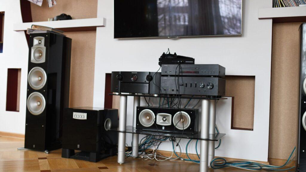 premium-set-of-floor-standing-speakers